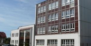 Petice proti stěhování SOŠ v Rokycanech