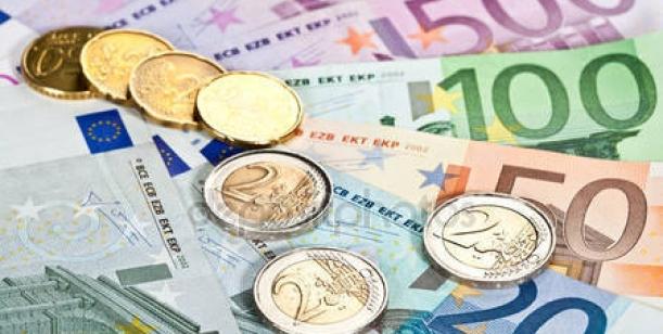 Vypsání referenda o rozhodnutí přijetí či nepřijetí eura