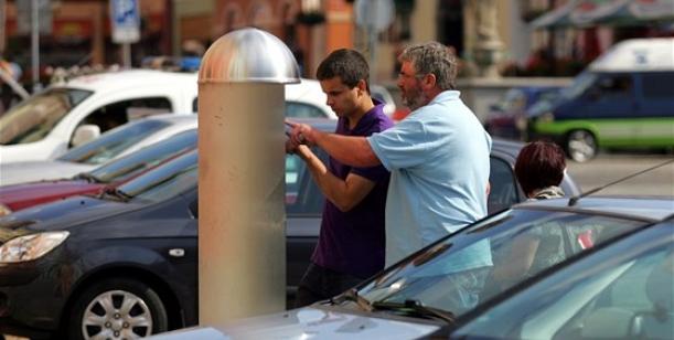 Zpoplatnění parkování v centru města Cheb