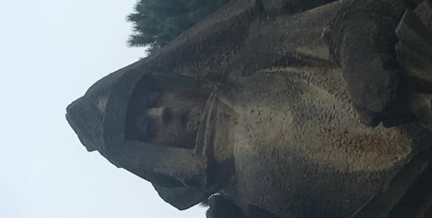 Za odstranění památníku snázvem Budování socialismu/Komunisté.