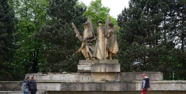 Petice za zachování sochy Památník budování socialismu Ostrava Zábřeh