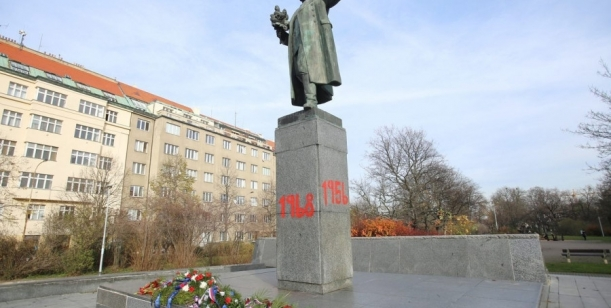 Petice za odstranění sochy Koněva na Praze 6