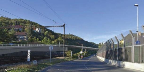 Petice za rychlé řešení přemostění železnice v Chuchli