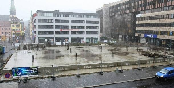 Petice za odstranění smetiště zMírového náměstí vÚstí nad Labem