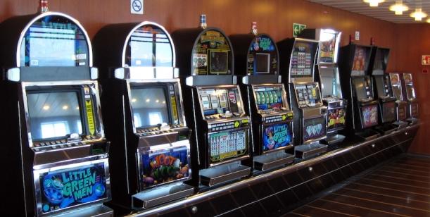 Petice za úplný zákaz hazardu ve středu Brna