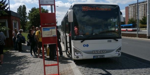 Petice za rozumné ukončení autobusů z Mělníka a Neratovic na Ládví